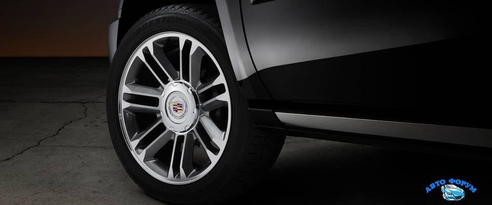 Cadillac Escalade 2014-2.jpg