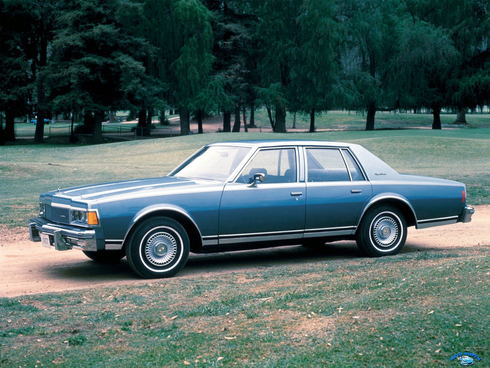 Chevrolet_Caprice Classic_Sedan_1977.jpg