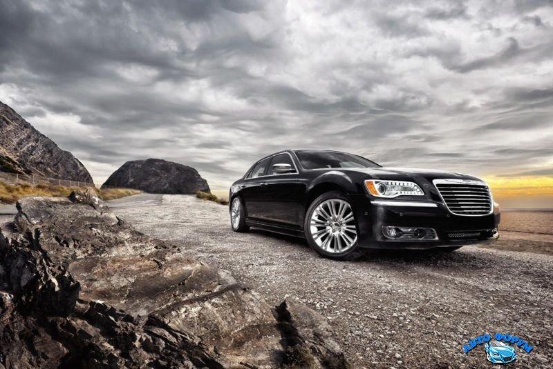Chrysler-300C-2013-1.jpg