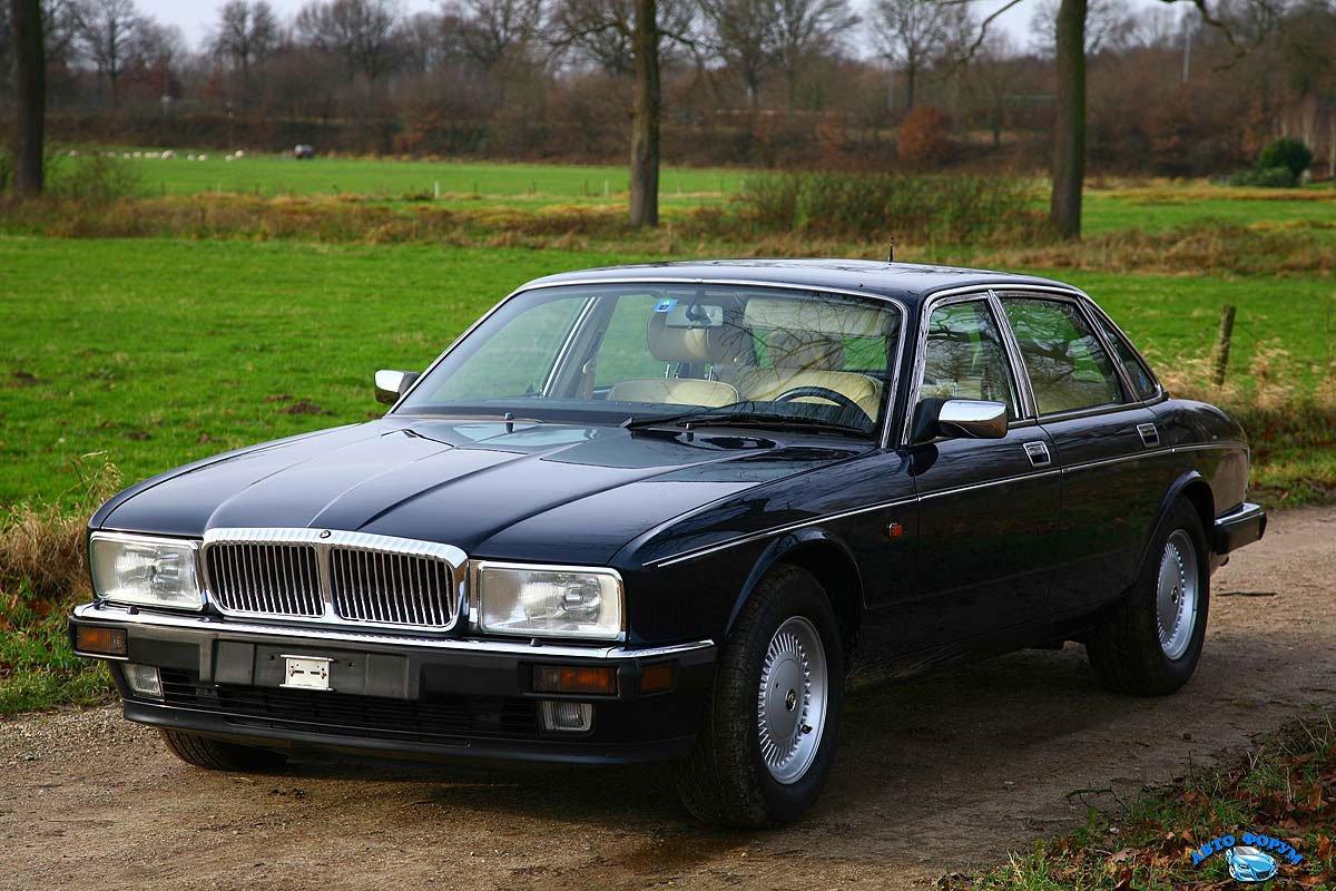 Daimler D6 eerste Zwitser.jpg