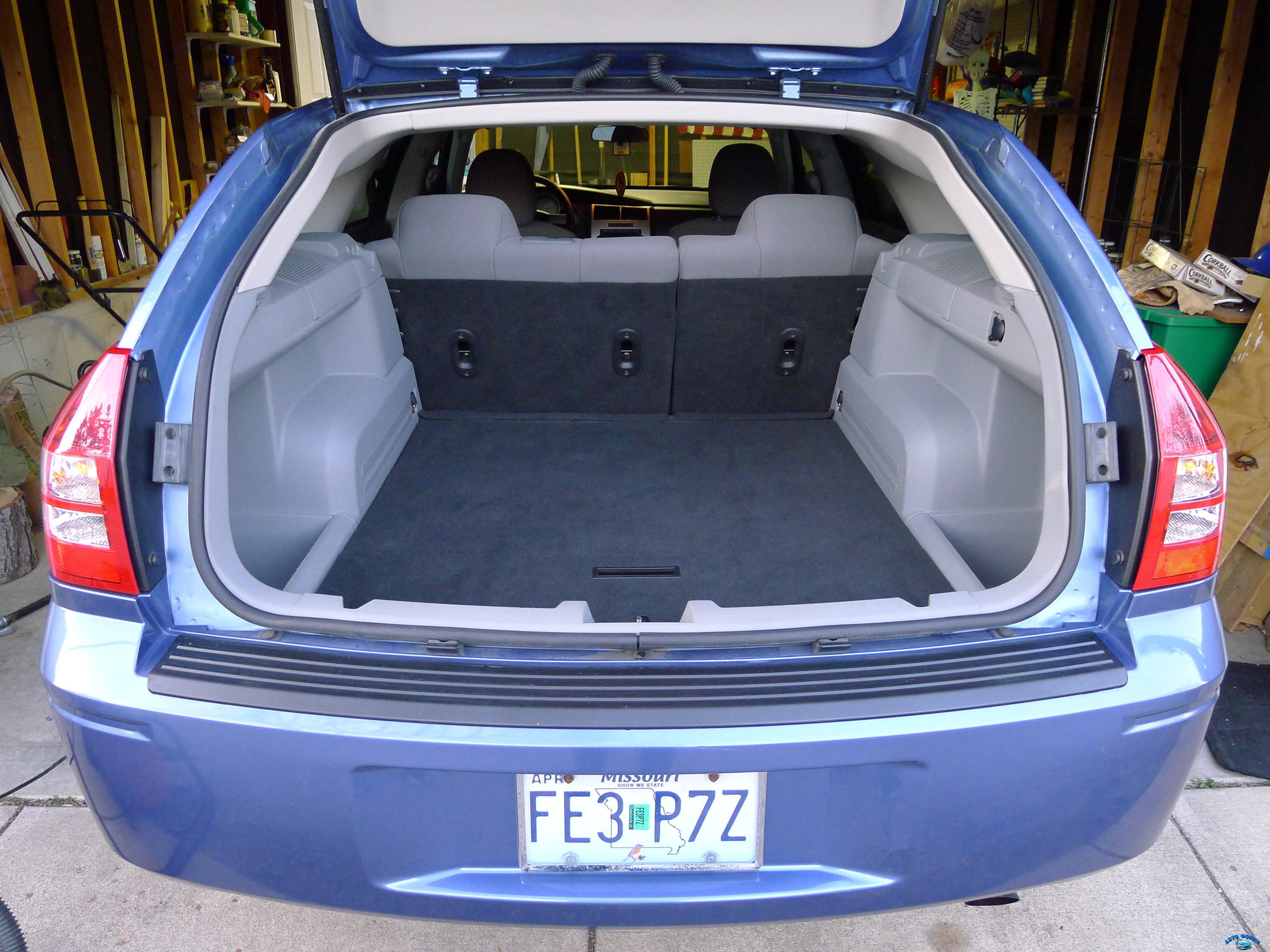 dodge-magnum-interior-6.jpg