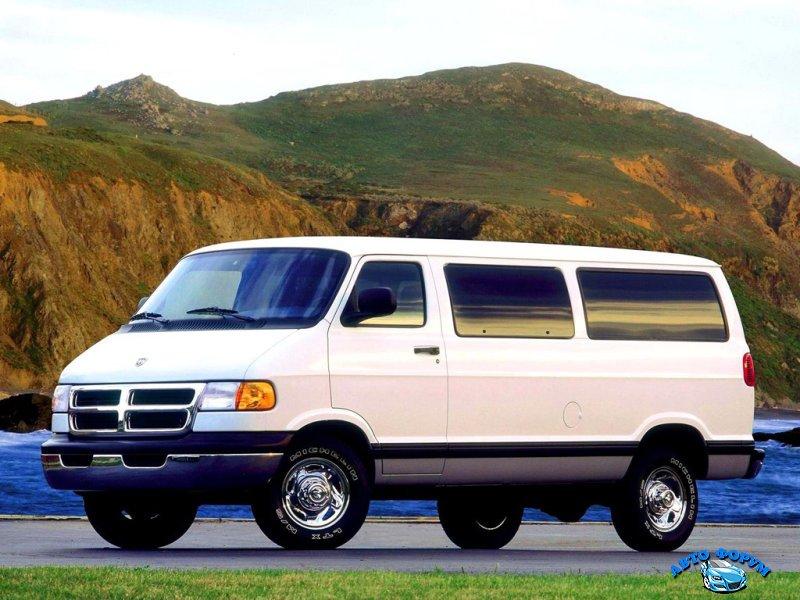 Dodge_Ram Van_Minibus_1994.jpg