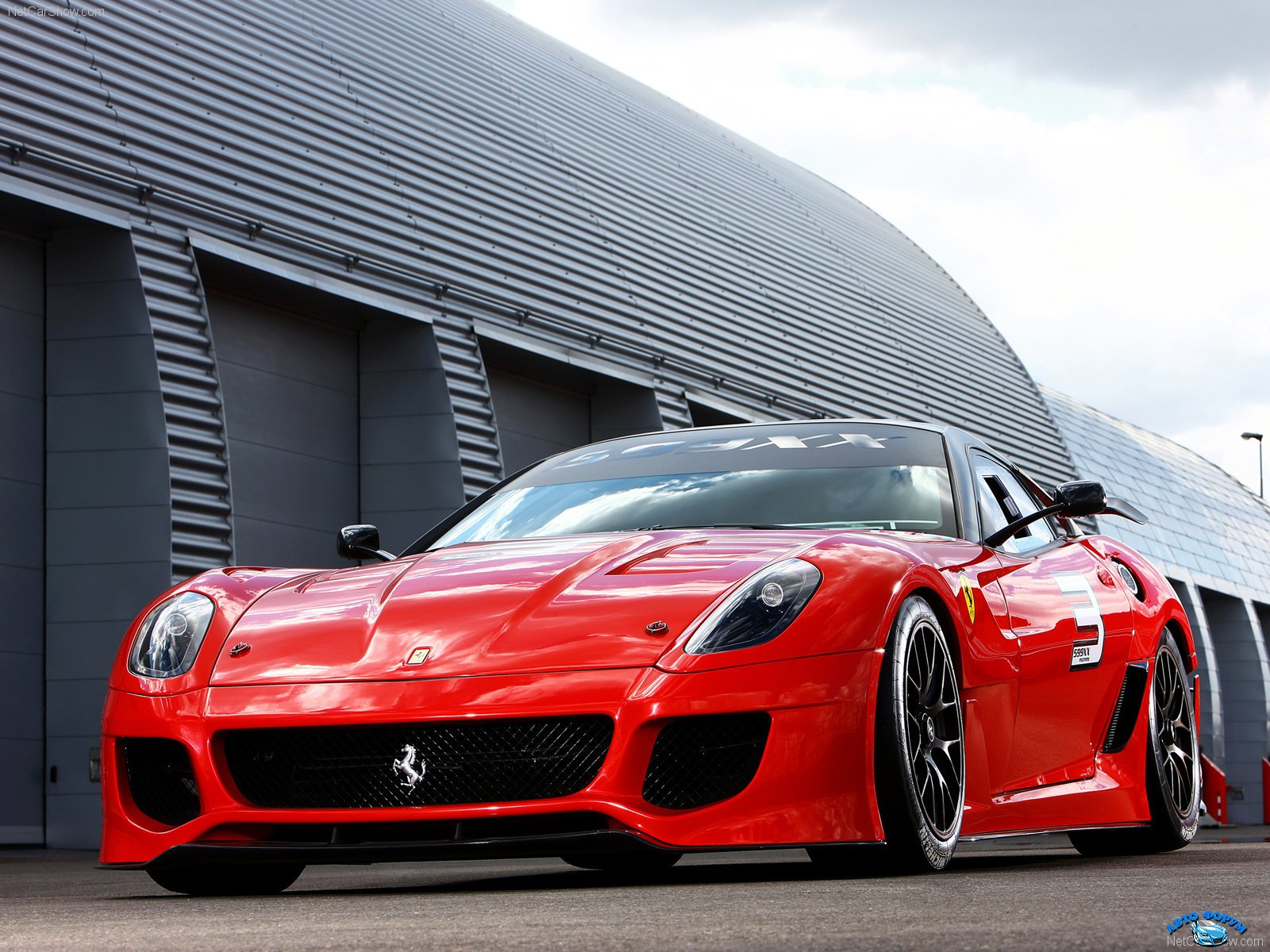 Ferrari-599XX_2010_1600x1200_wallpaper_01.jpg