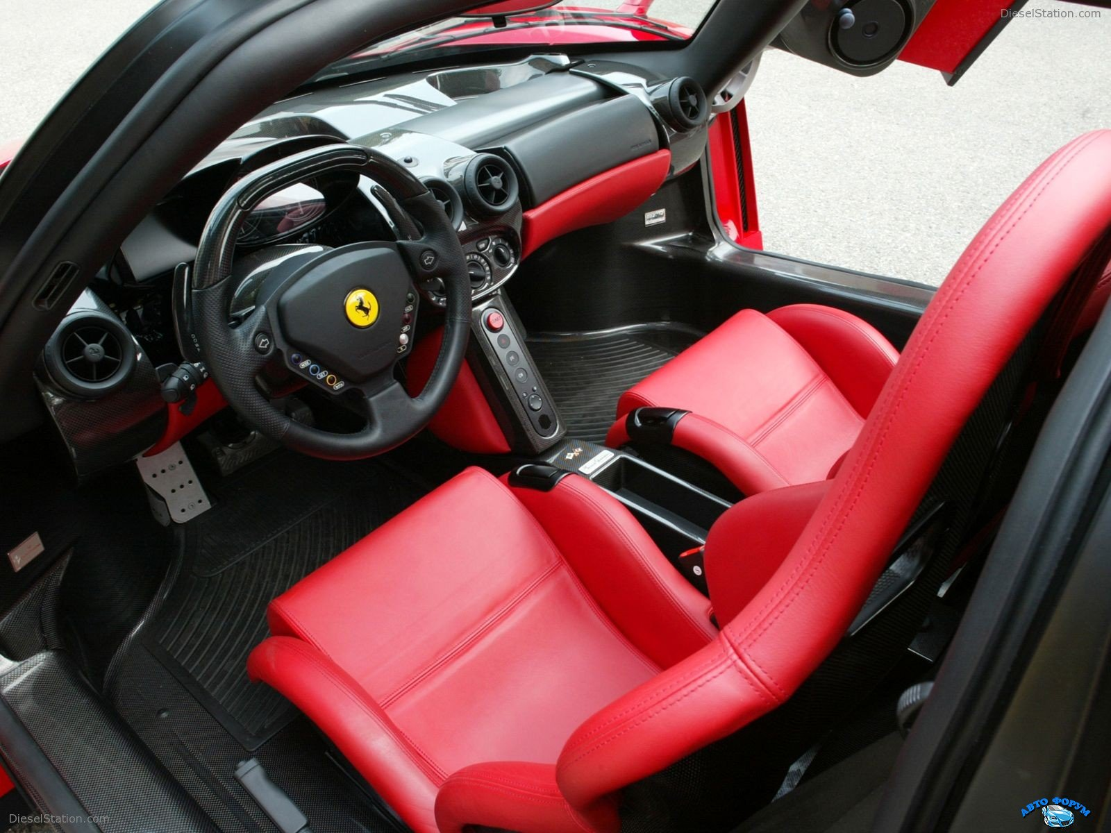 Ferrari-Enzo-032.jpg