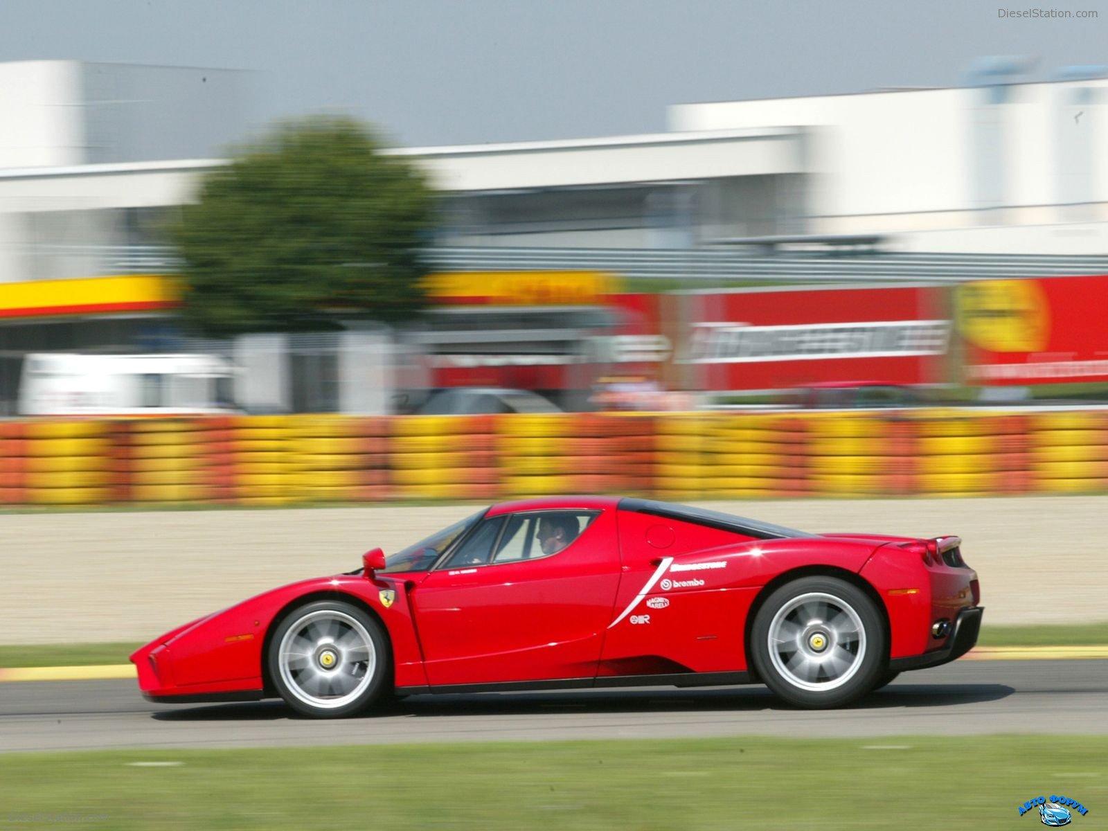 Ferrari-Enzo-035.jpg