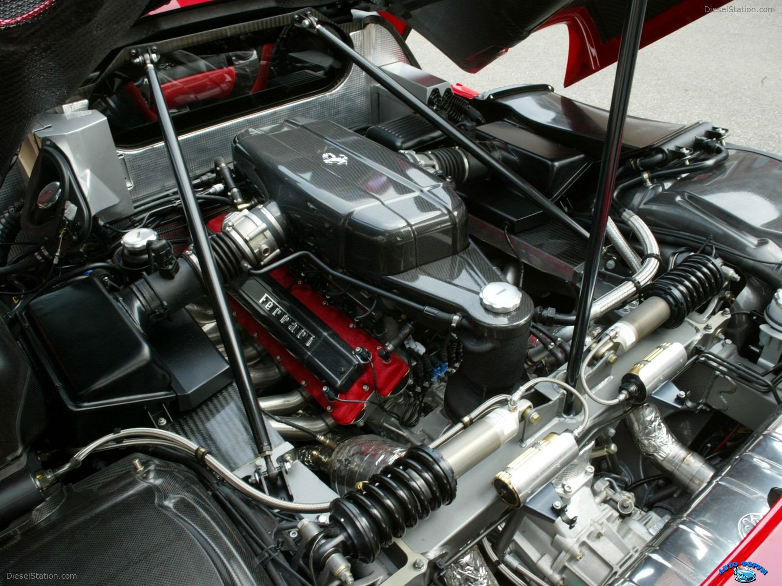 Ferrari-Enzo-044.jpg