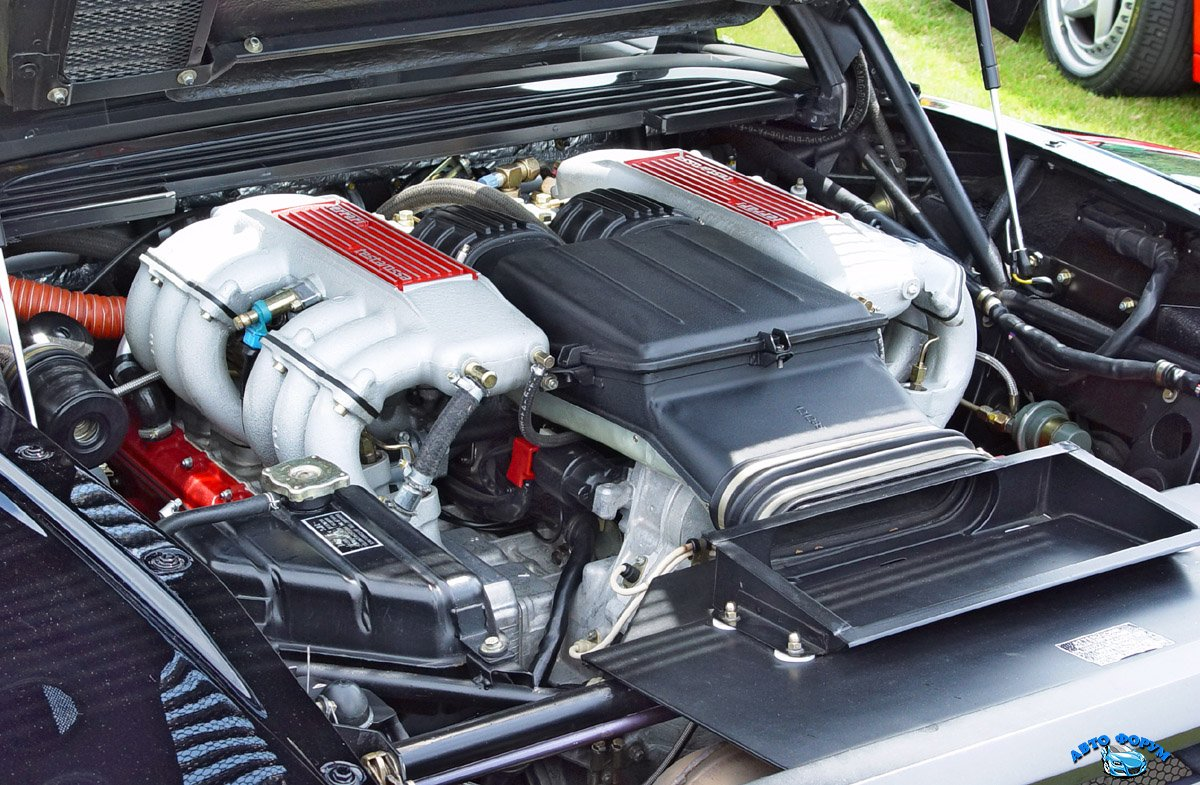 Ferrari-Testarossa-Engine.jpg