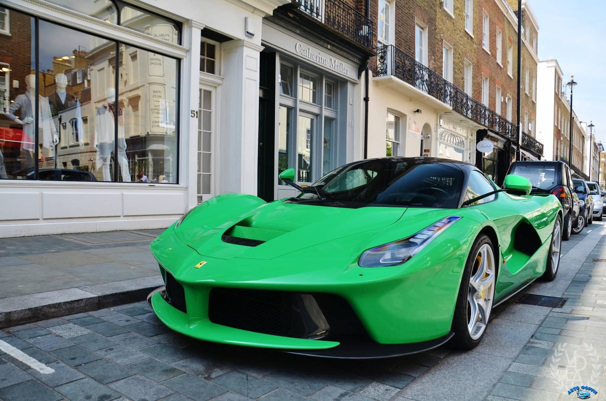 Green-Ferrari-LaFerrari-1.jpg