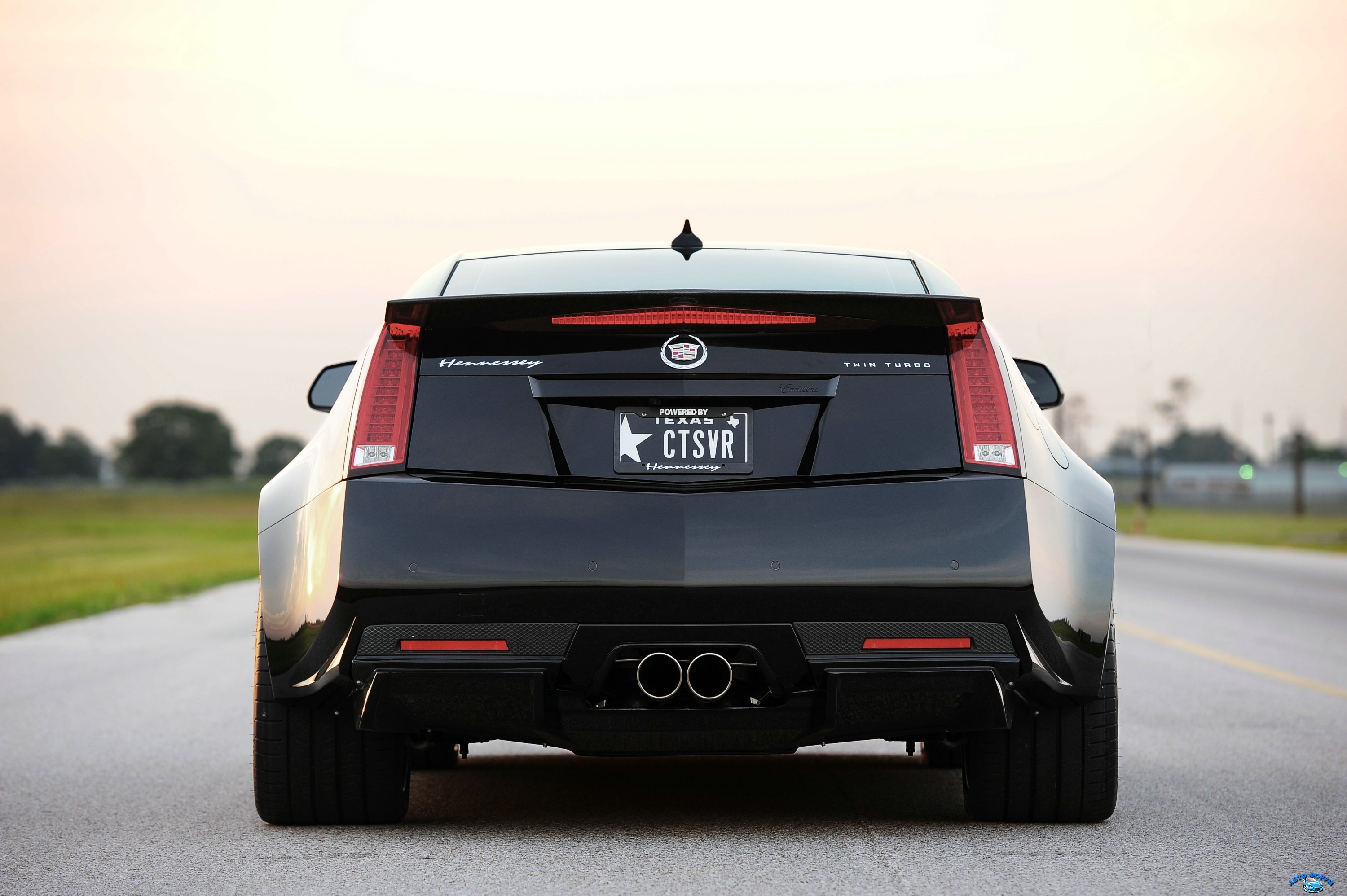 hennessey_cadillac_vr1200_twin_turbo_coupe_12.jpg