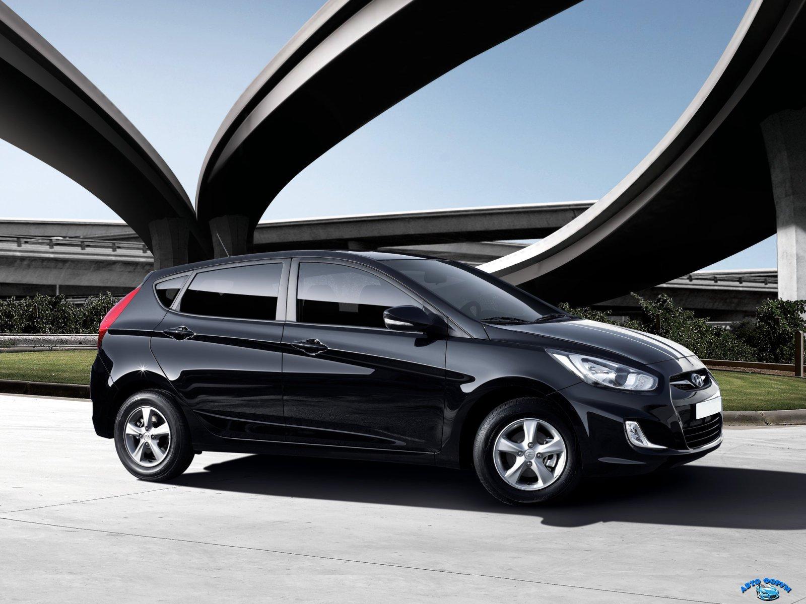 Hyundai_Solaris_Hatchback 5 door_2011.jpg