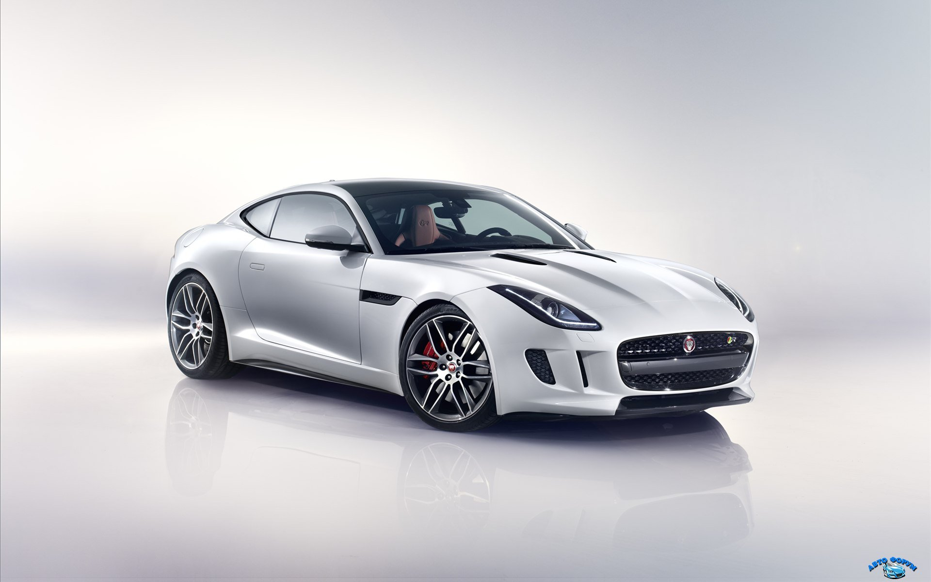 Jaguar-F-Type-R-Coupe-2015-widescreen-09.jpg