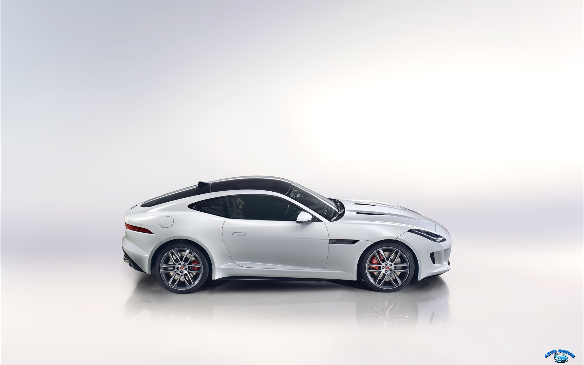 Jaguar-F-Type-R-Coupe-2015-widescreen-20.jpg
