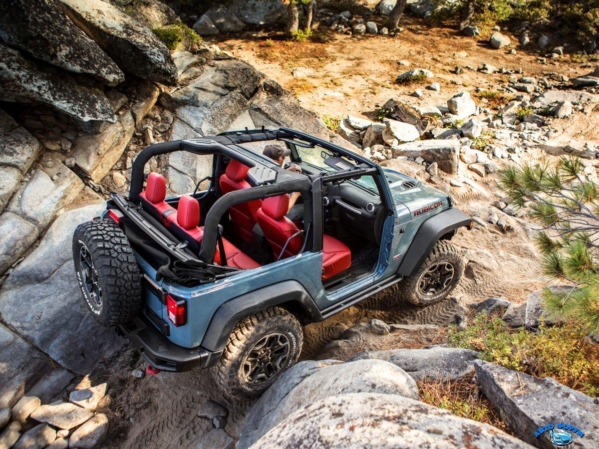 Jeep Wrangler Unlimited 2013-2.jpg