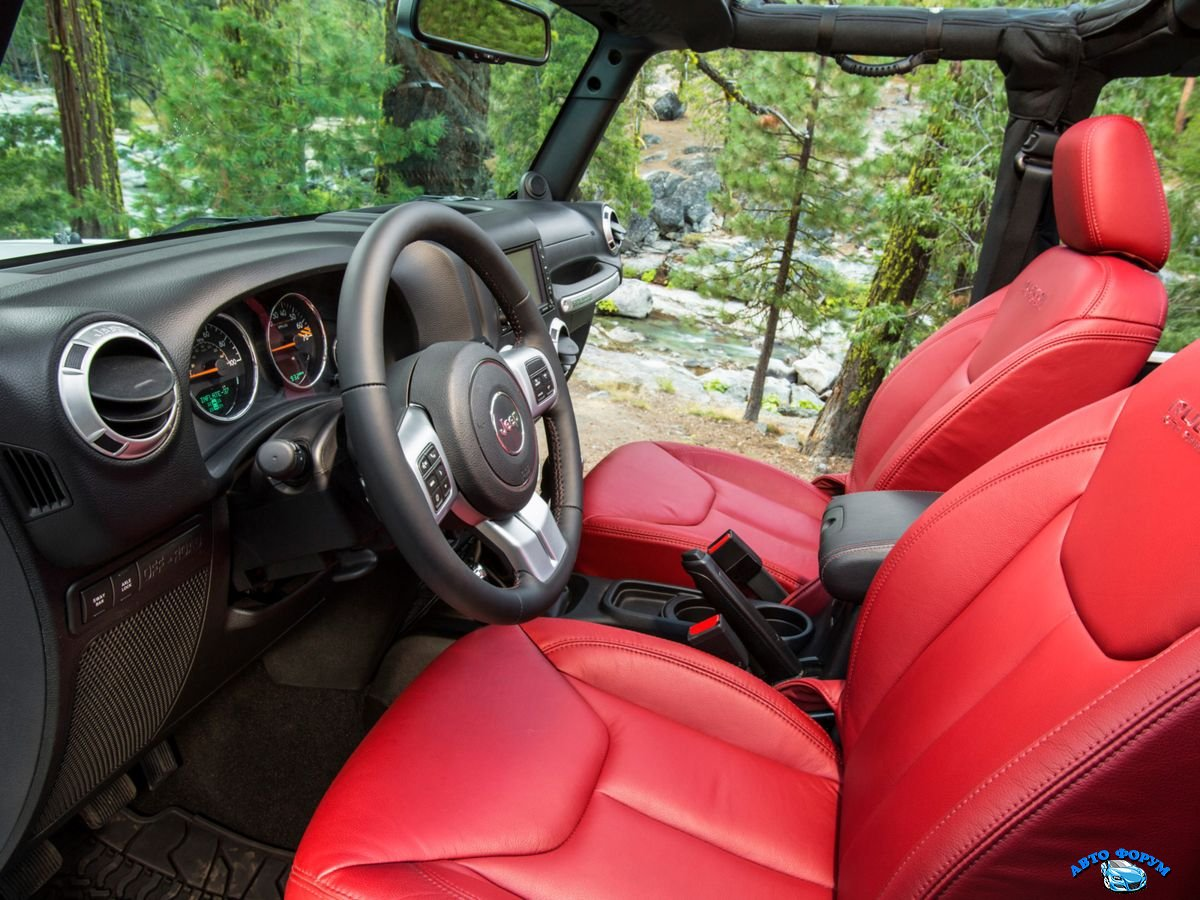 Jeep Wrangler Unlimited 2013-3.jpg