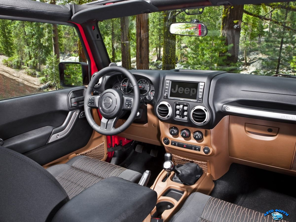 Jeep Wrangler Unlimited 2013-5.jpg