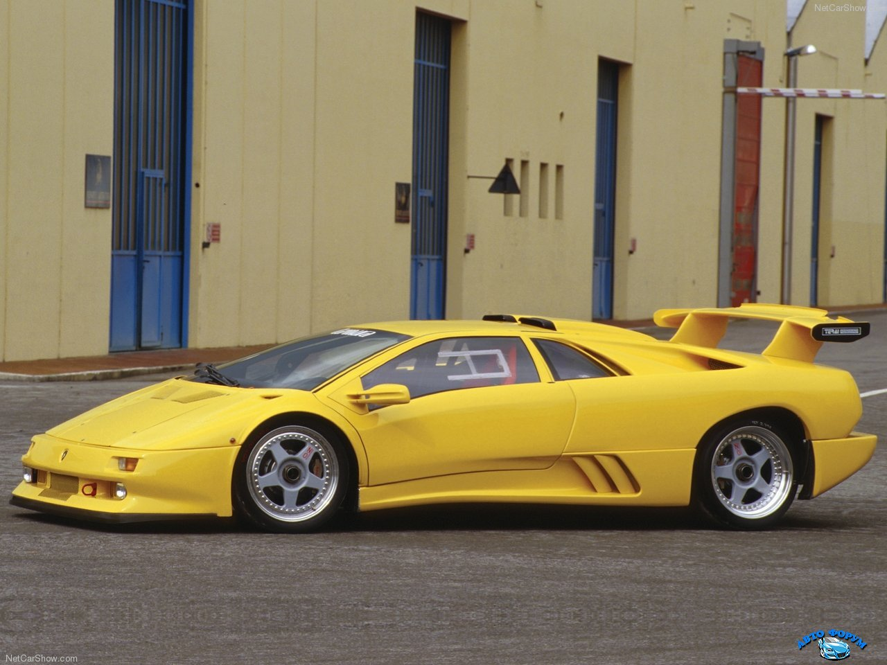 Lamborghini-Diablo_Iota_1995_1280x960_wallpaper_02.jpg