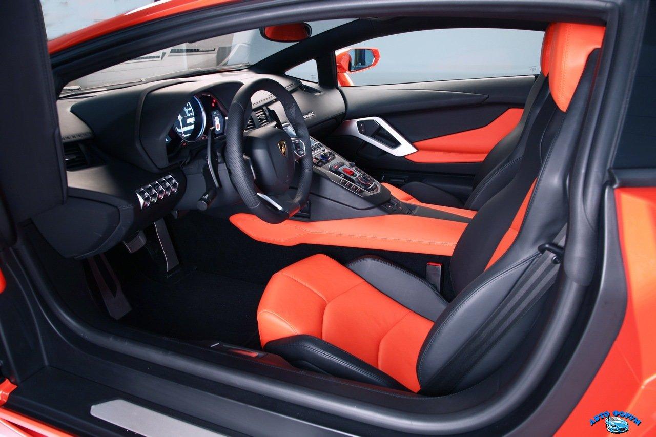 lamborghini_aventador_lp_700-4_interior_37.jpg