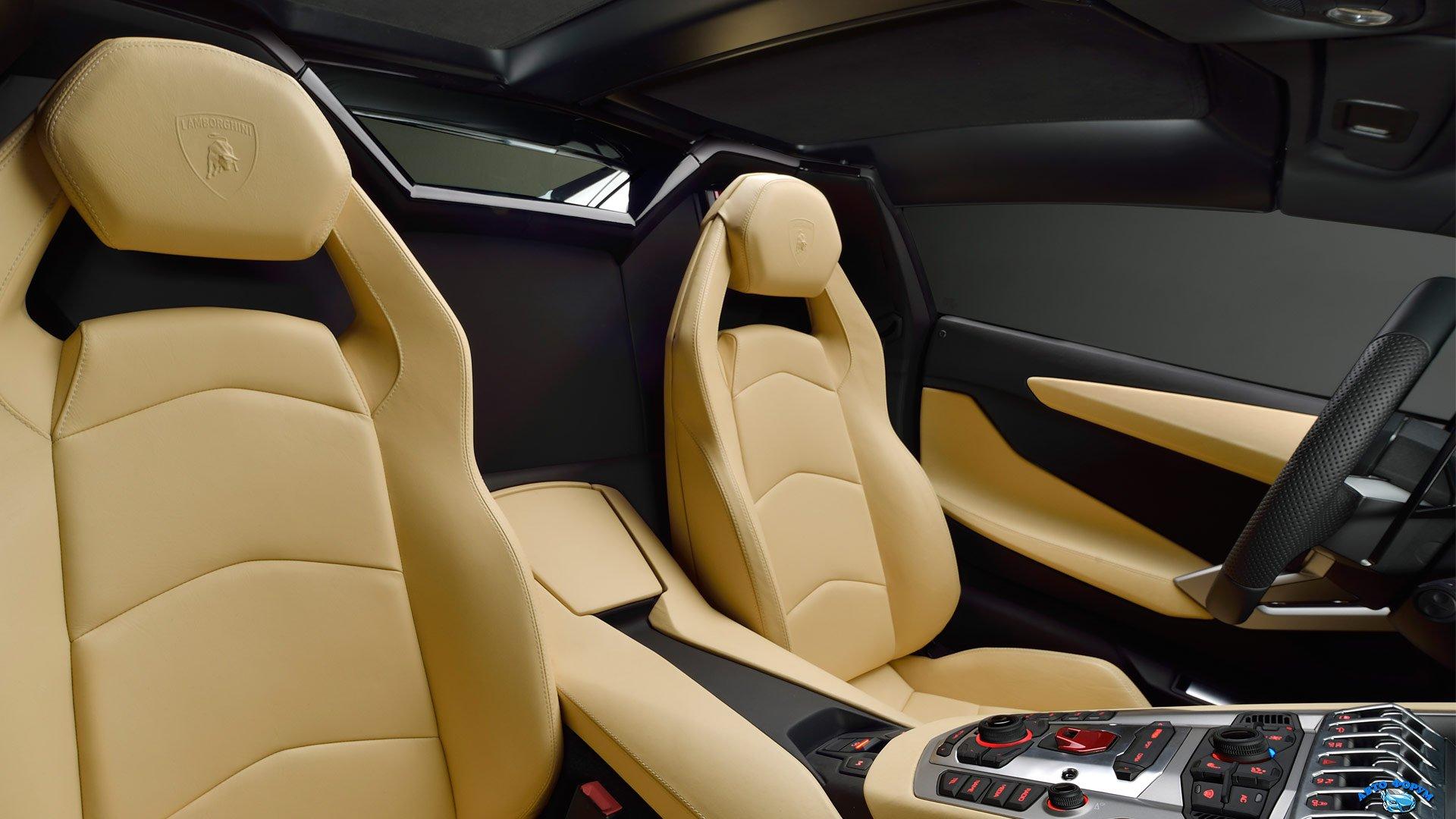 lamborghini_aventador_lp_700-4_roadster_interior_27.jpg