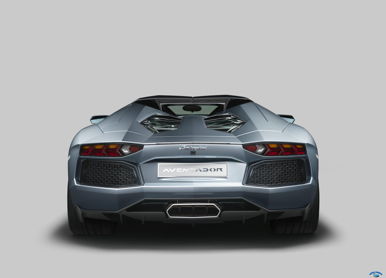 lamborghini_aventador_lp_700-4_roadster_with_roof_8.jpg