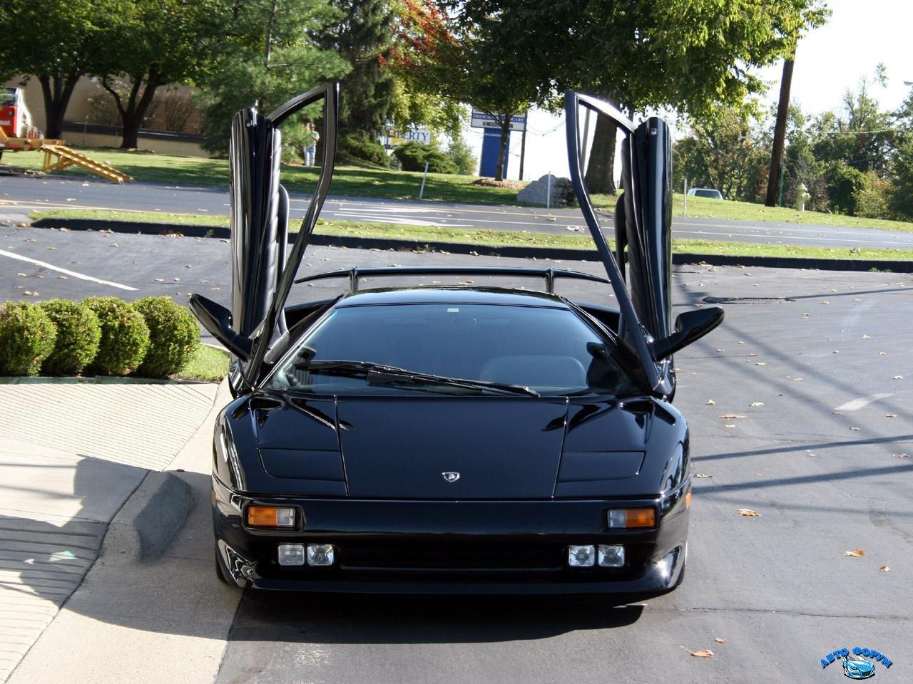 Lamborghini_Diablo_4.jpg