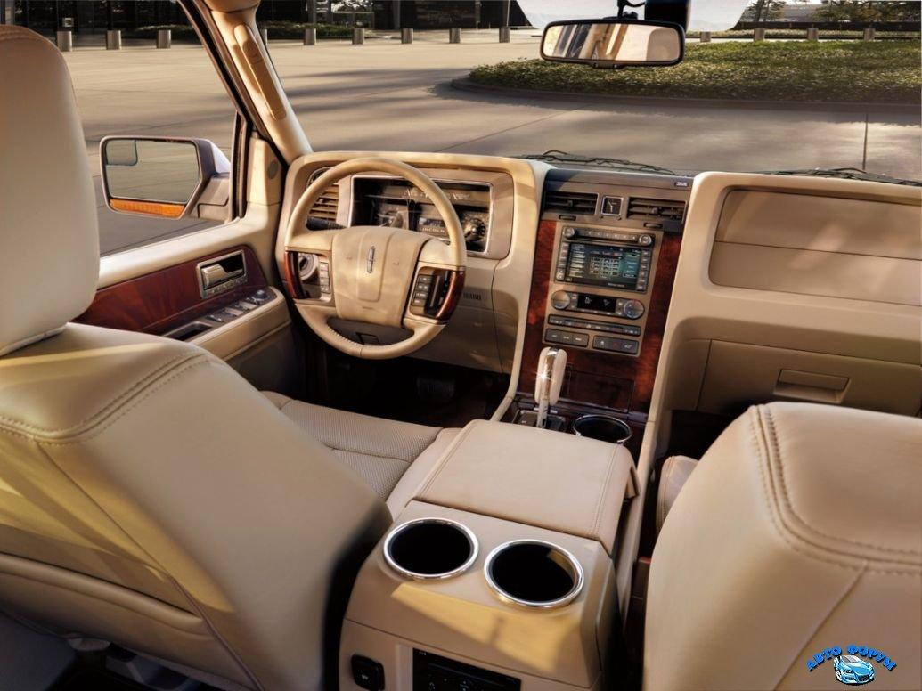 Lincoln-Navigator-2013-1.jpg