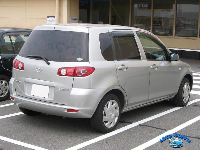 Mazda-Demio-2nd_2003-rear.jpg