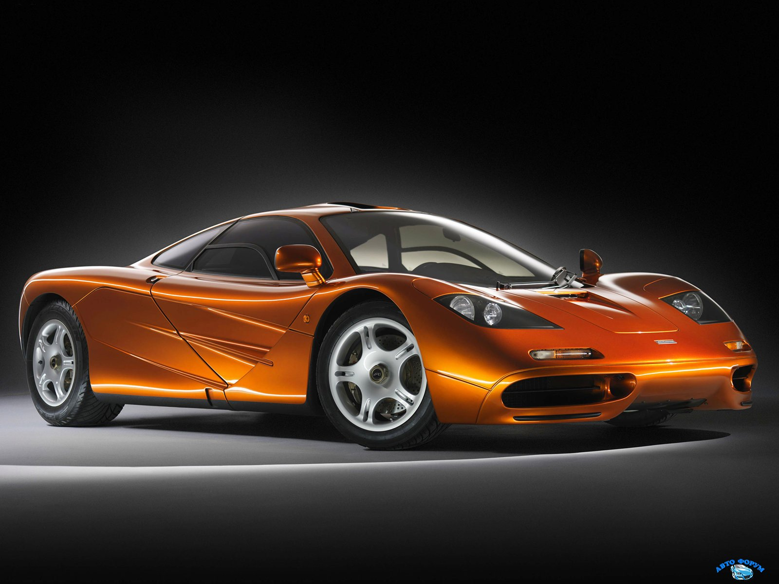 McLaren-F1_1993_1.jpg