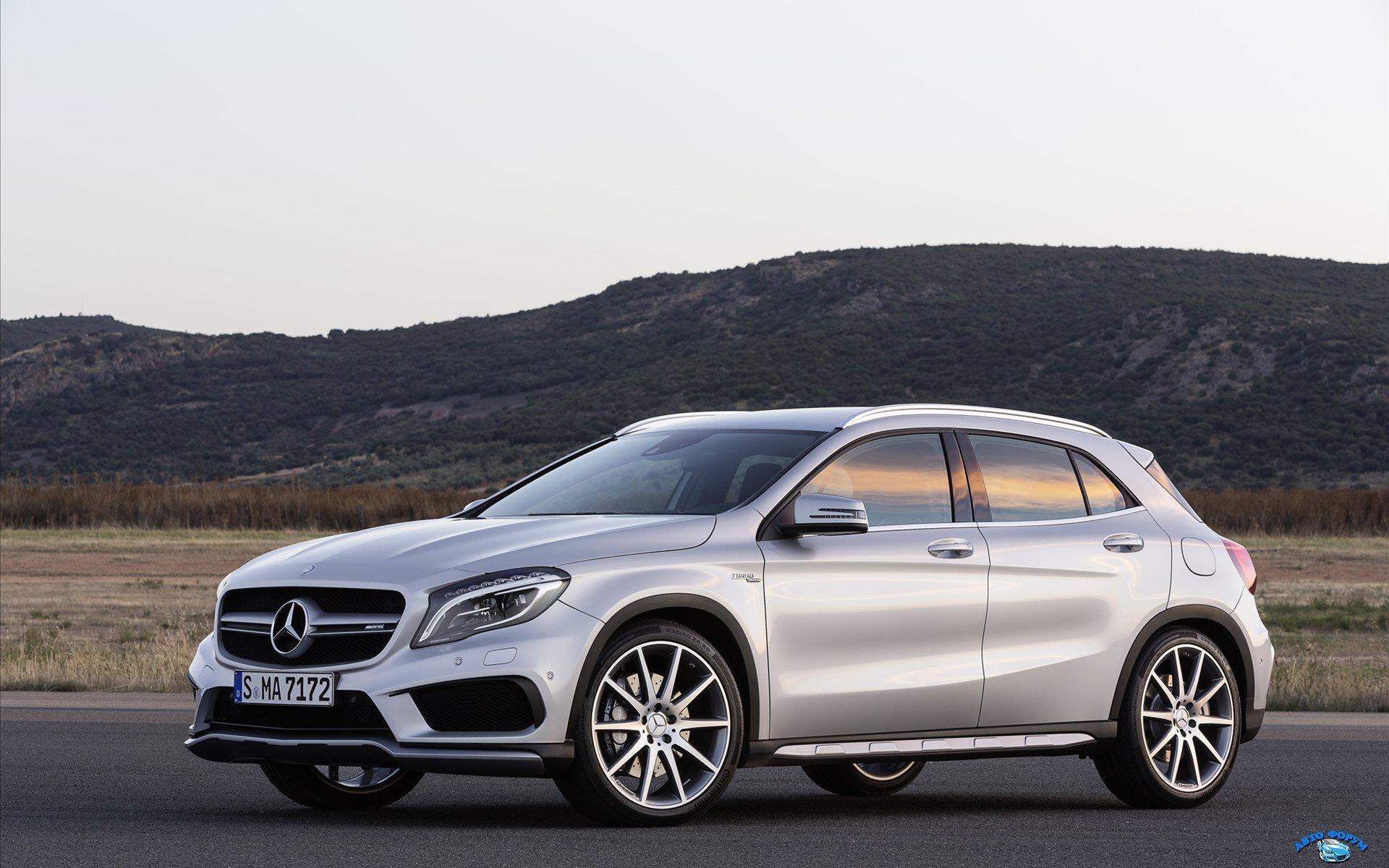 Mercedes-Benz-GLA-45-AMG-2014-widescreen-01.jpg