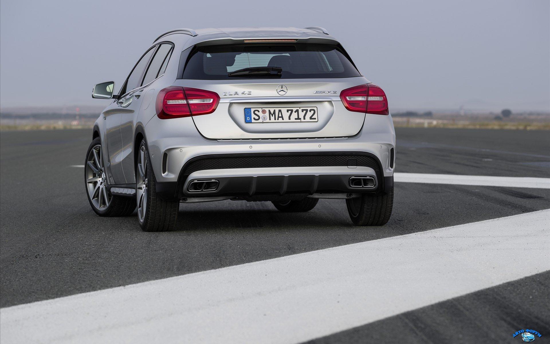 Mercedes-Benz-GLA-45-AMG-2014-widescreen-03.jpg