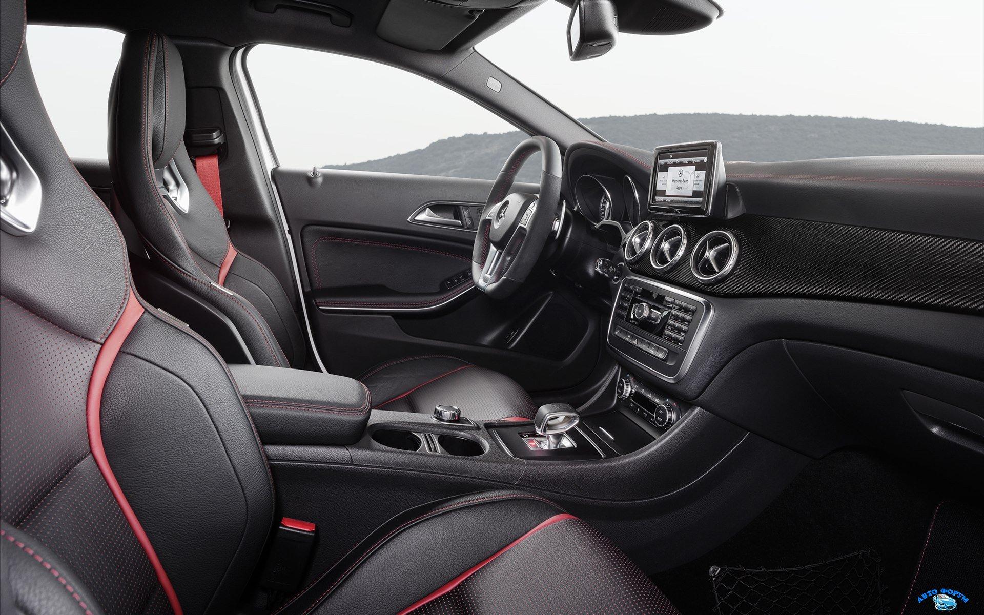 Mercedes-Benz-GLA-45-AMG-2014-widescreen-06.jpg