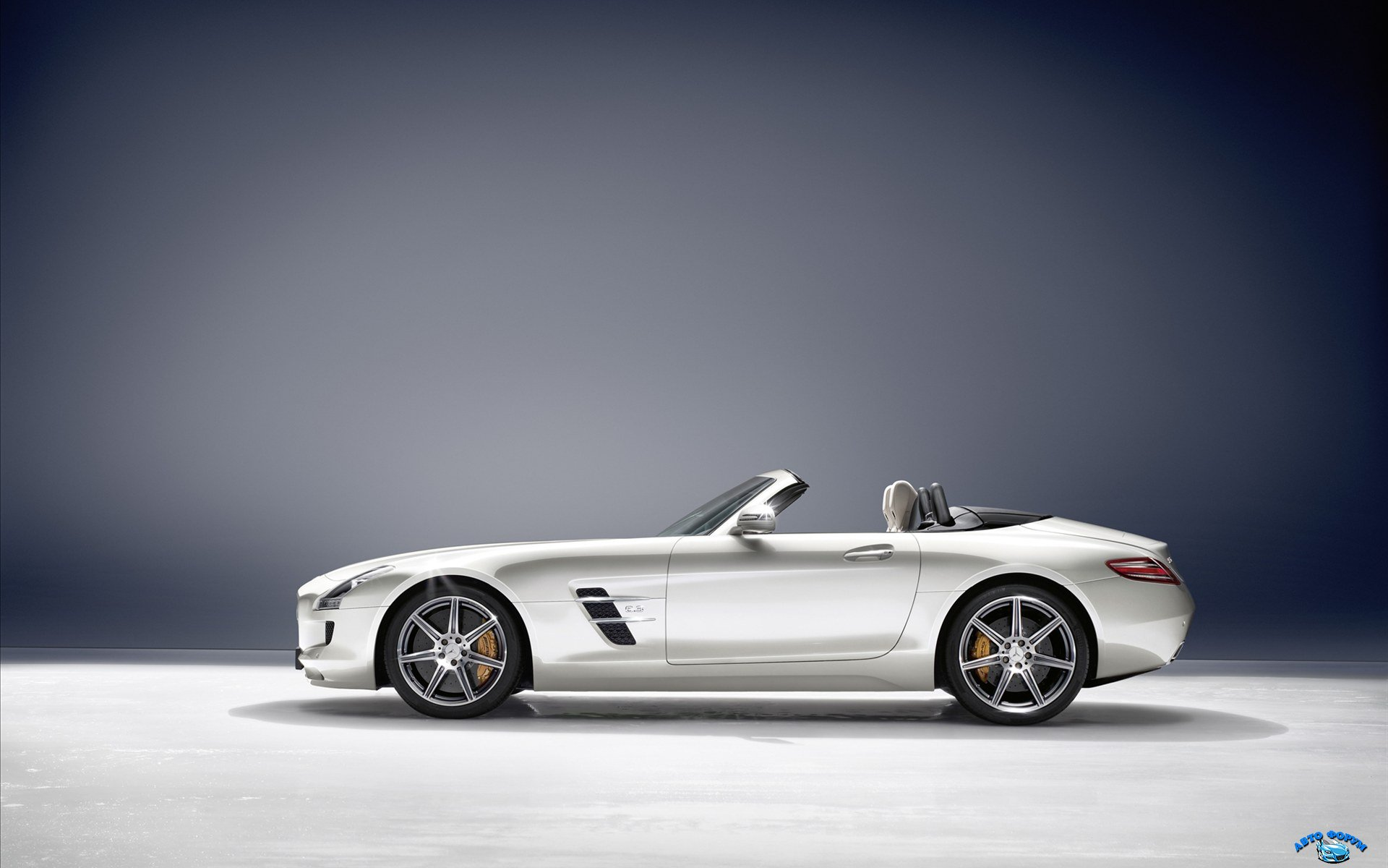 Mercedes-Benz-SLS-AMG-Roadster-2011-widescreen-13.jpg