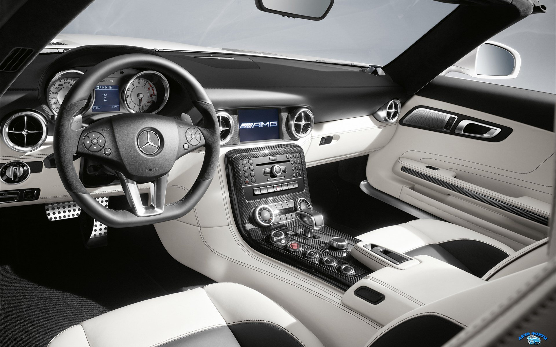 Mercedes-Benz-SLS-AMG-Roadster-2011-widescreen-19.jpg