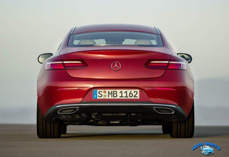 Mercedes_E-Class_Coupe_2017-2018_017.jpg