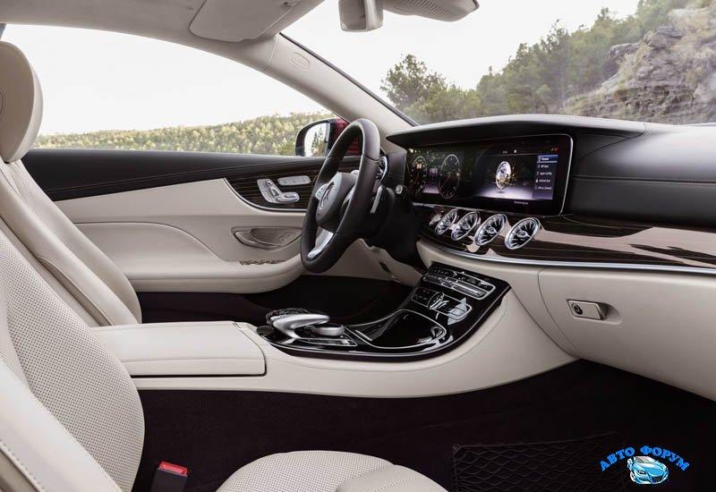 Mercedes_E-Class_Coupe_2017-2018_024.jpg