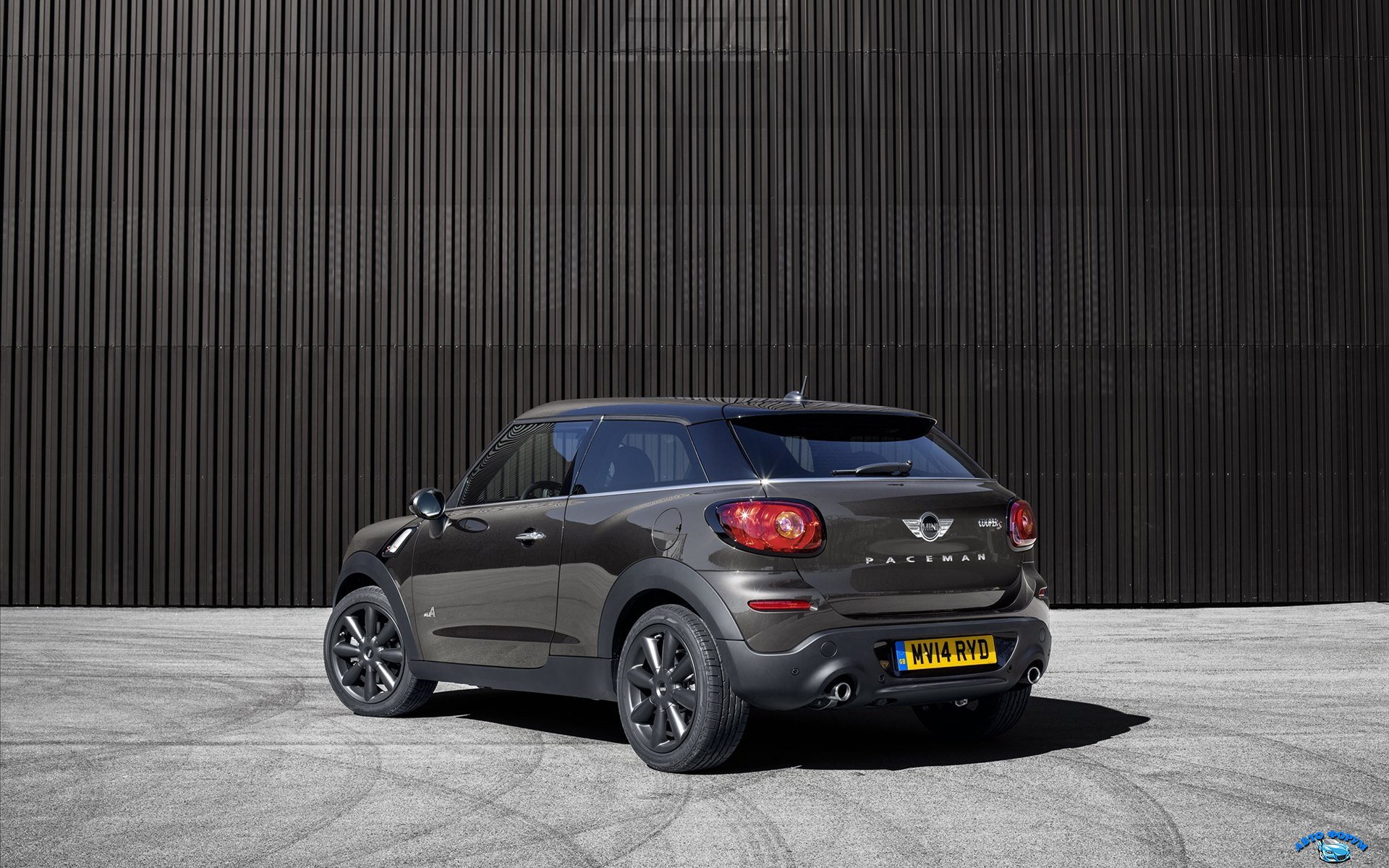 Mini-Paceman-2015-widescreen-02.jpg