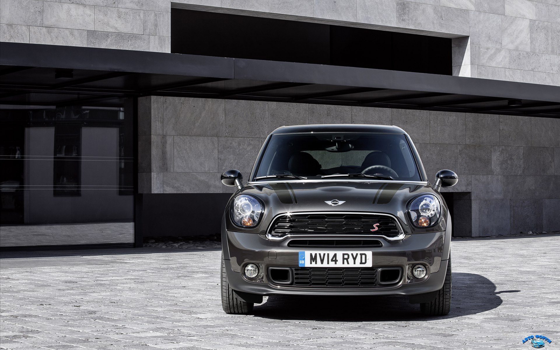 Mini-Paceman-2015-widescreen-06.jpg