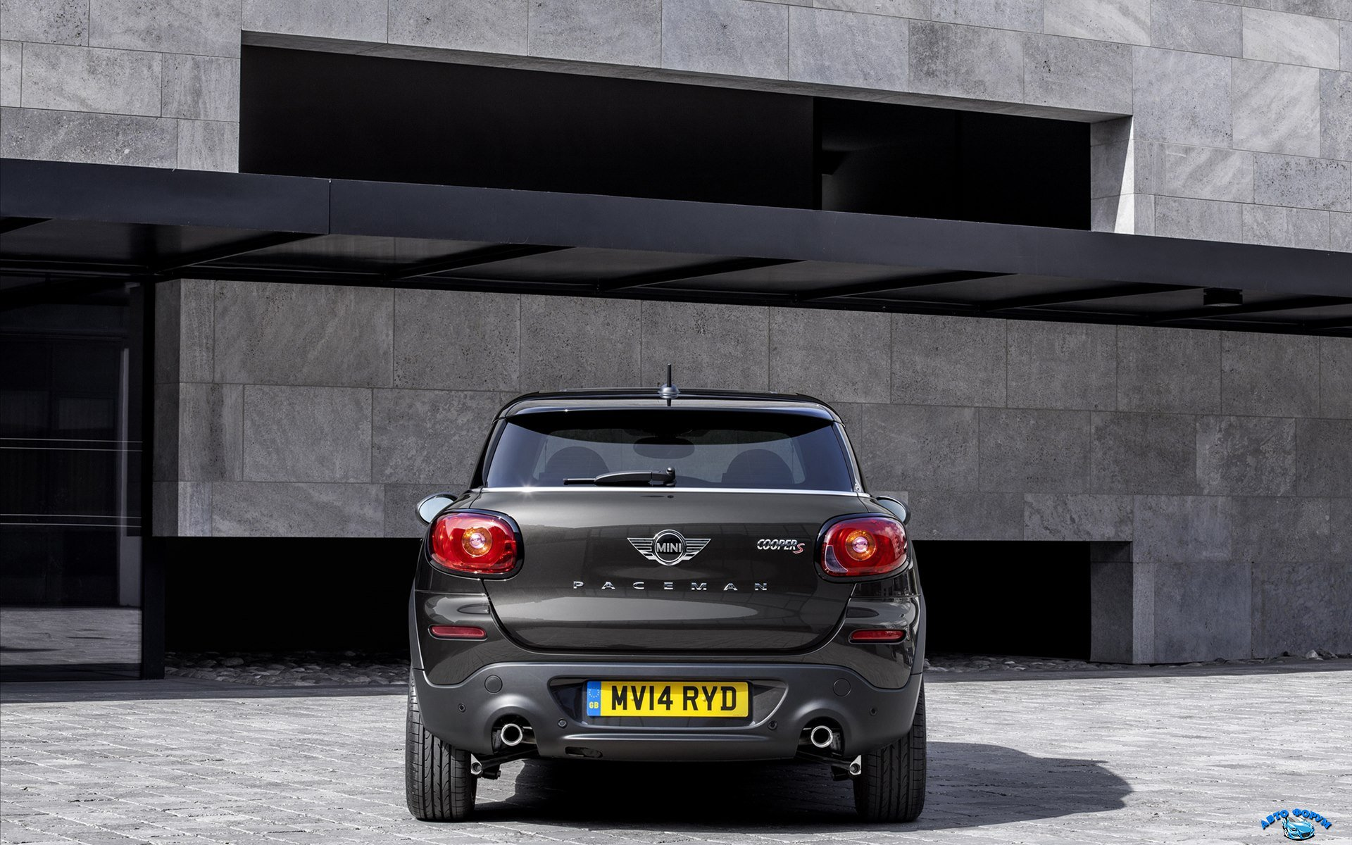 Mini-Paceman-2015-widescreen-07.jpg