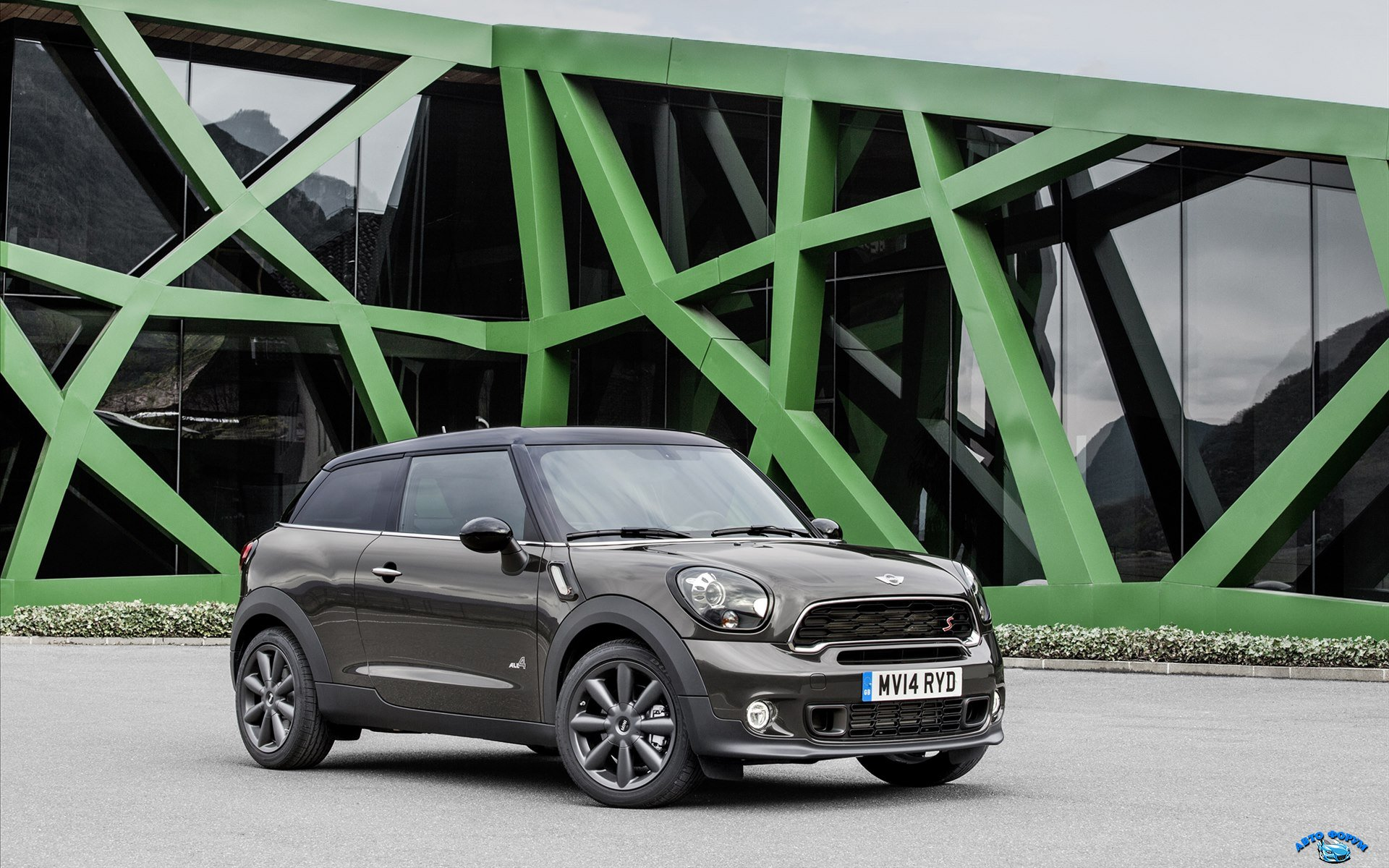 Mini-Paceman-2015-widescreen-11.jpg