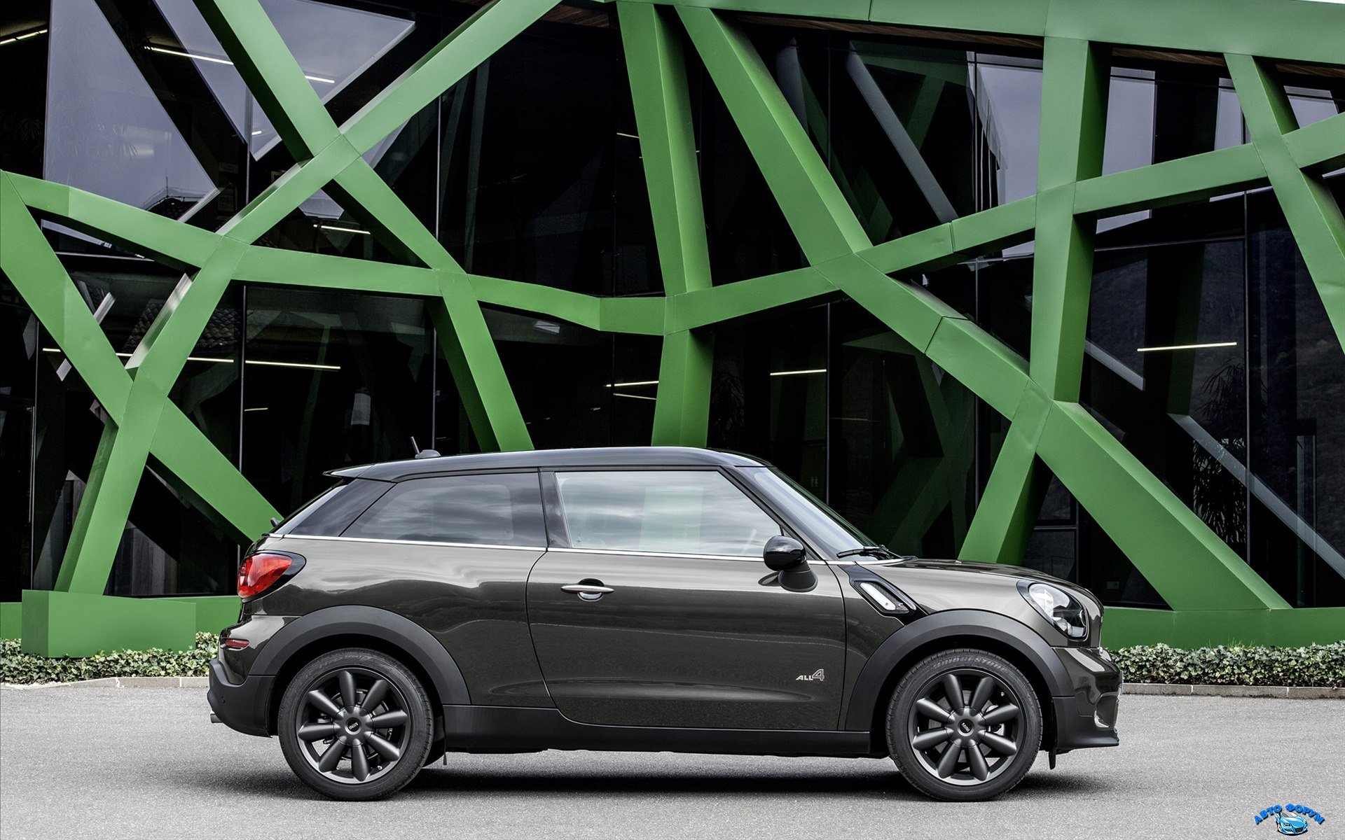 Mini-Paceman-2015-widescreen-12.jpg