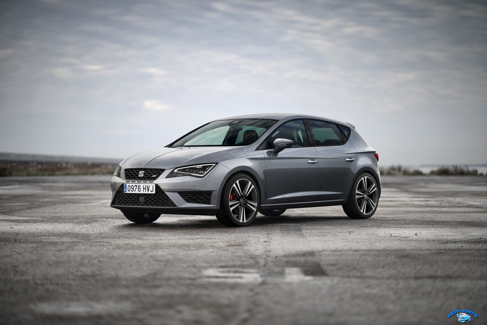 new-photos-and-videos-show-280-hp-seat-leon-cupra-in-detail_4.jpg