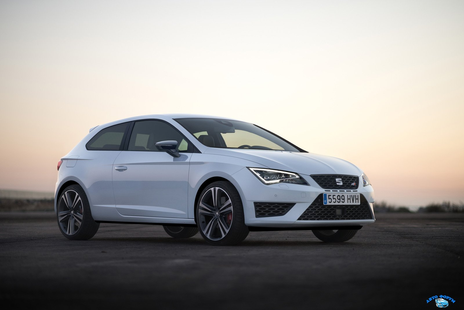 new-photos-and-videos-show-280-hp-seat-leon-cupra-in-detail_5.jpg