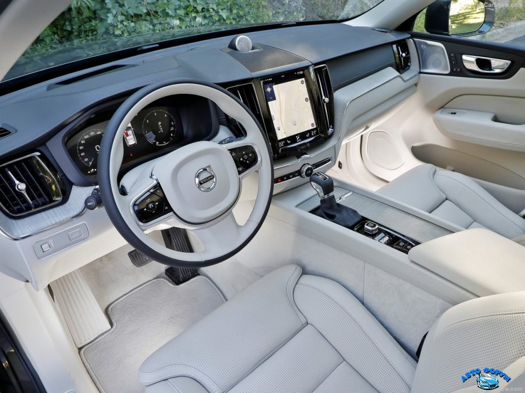 New Volvo XC 60 2018.jpg