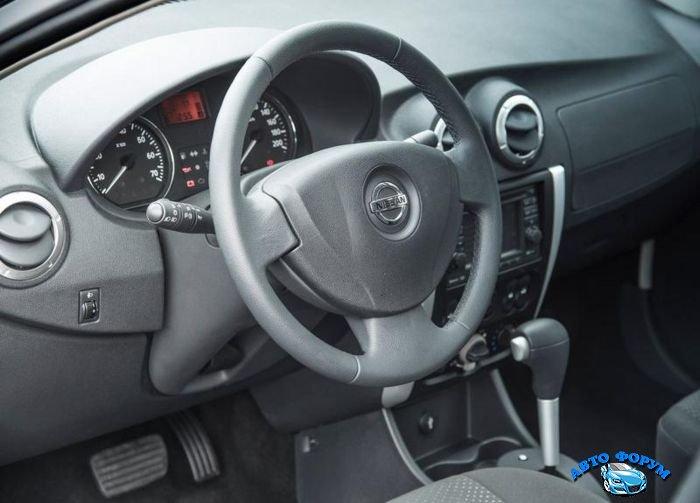 Nissan Almera-3.jpg