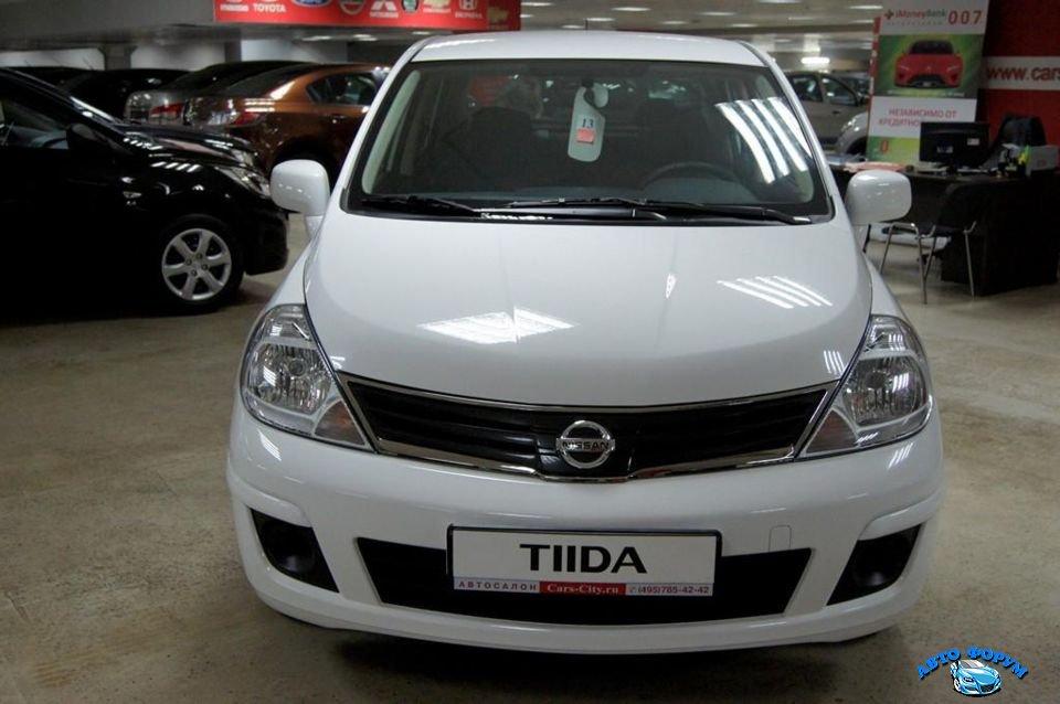 Nissan Tiida-2.jpg