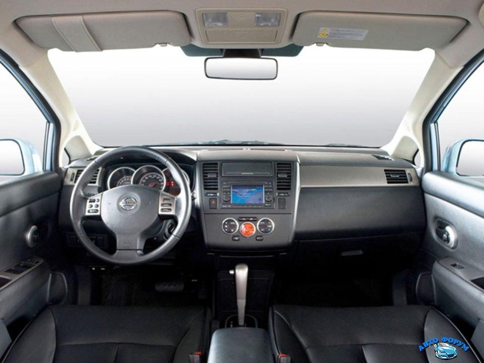 Nissan Tiida-6.jpg