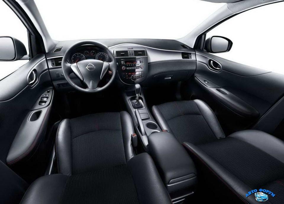 Nissan Tiida-7.jpg