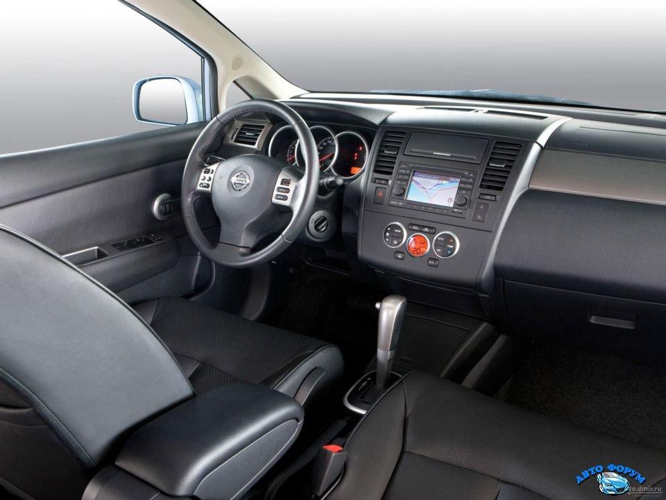 Nissan Tiida-8.jpg