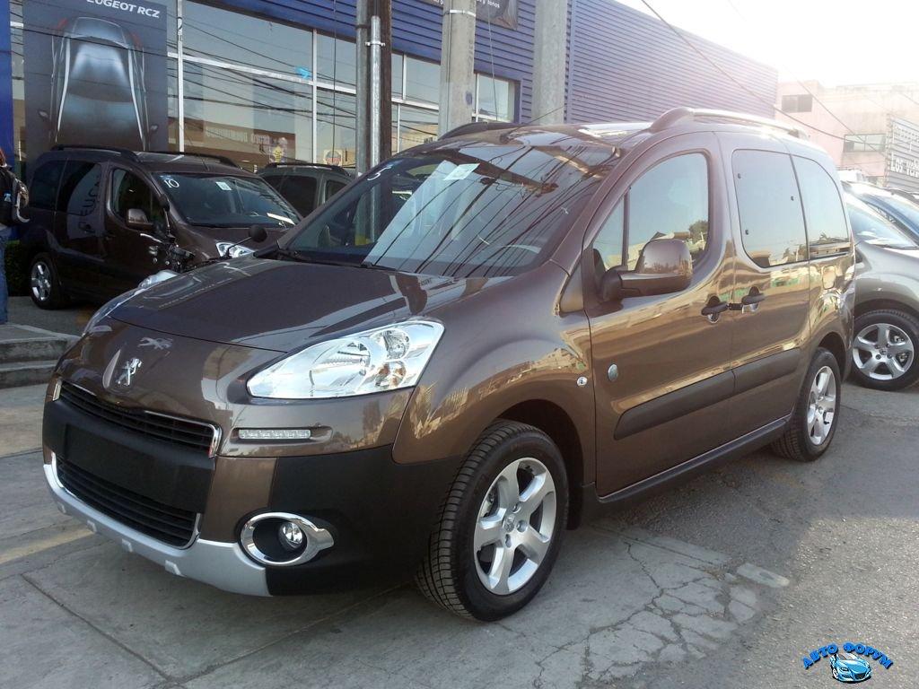 Peugeot-Partner-Tepee-2013-2.jpg