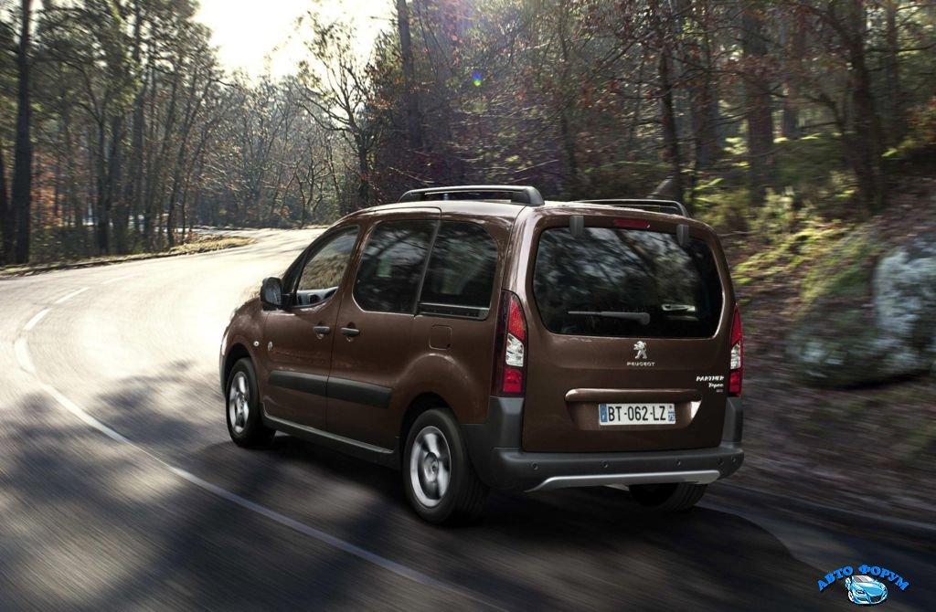 Peugeot-Partner-Tepee-2013-3.jpg