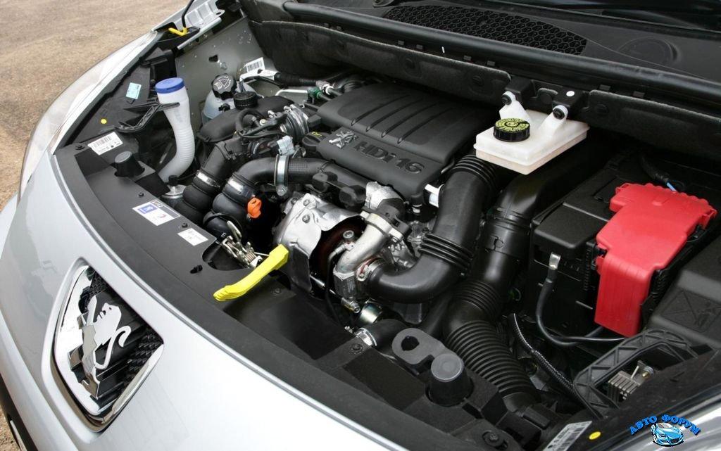 Peugeot-Partner-Tepee-2013-5.jpg